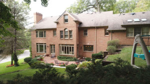 1122 Stratford Place - Exterior View