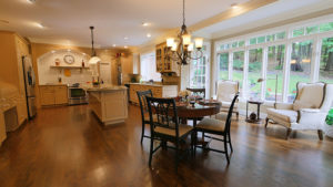 1122 Stratford Place - Kitchen and Dining