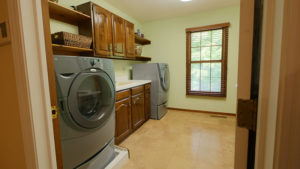 1122 Stratford Place - Laundry Room